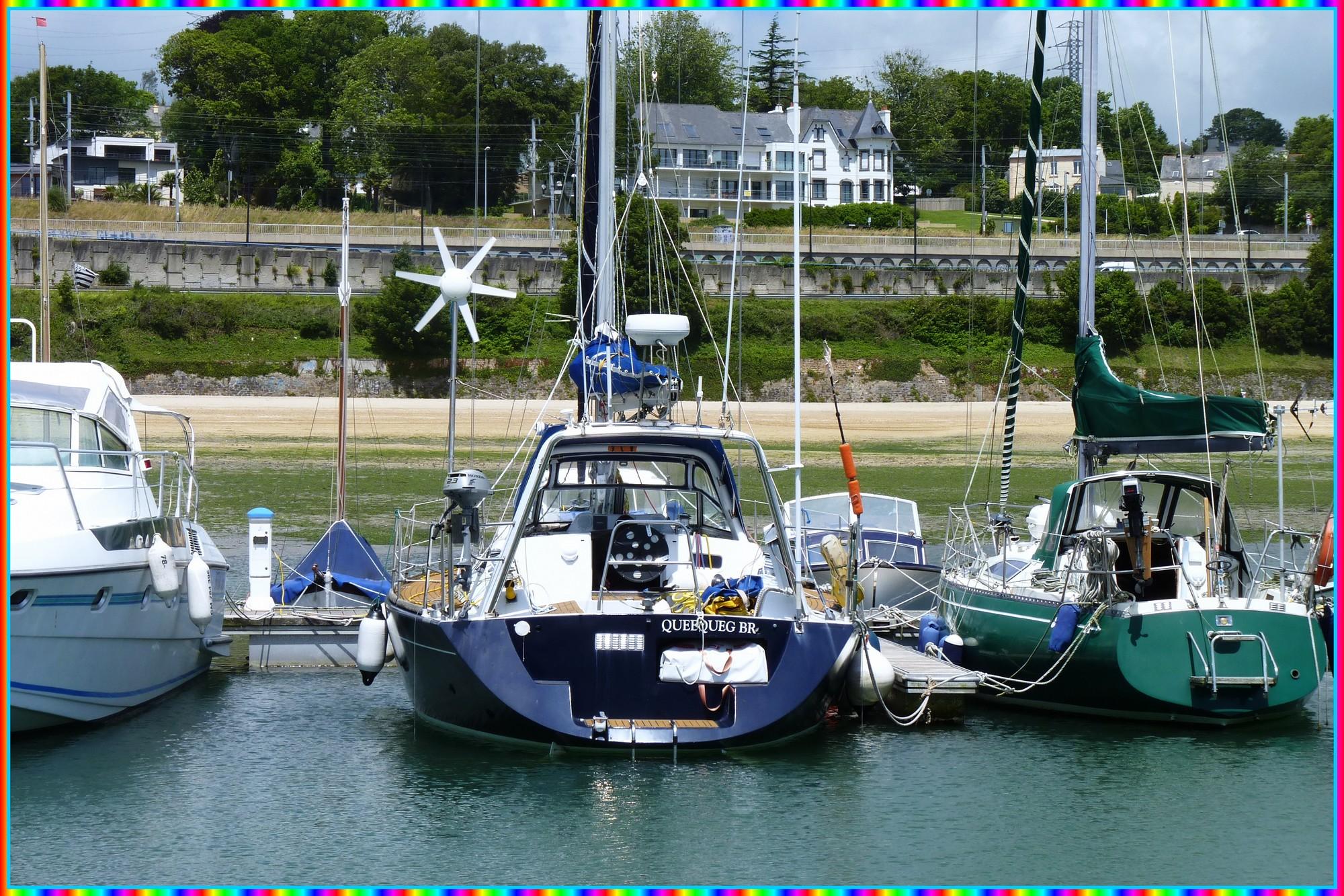 Queequeg dans la marina du Port-Blanc à Brest