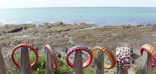 Les bracelets colorés