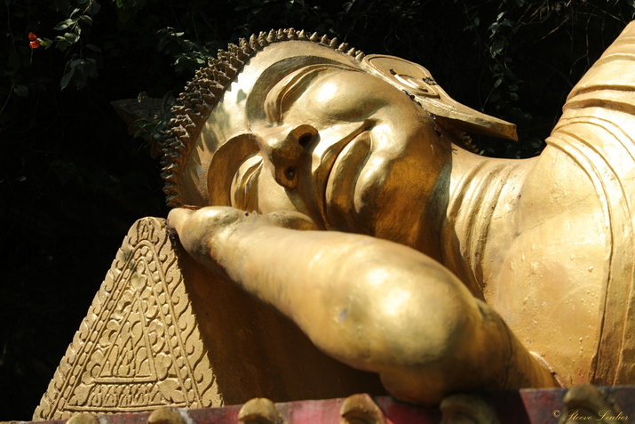 Tête du Bouddha couché sur le Mont Phousi, Luang Prabang