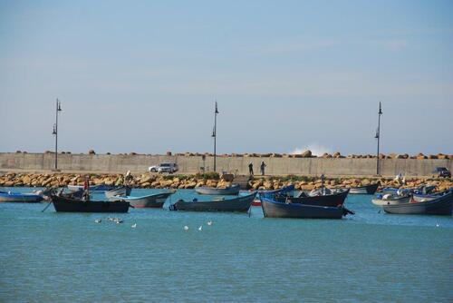 Notre décor, petites barques de pêcheurs