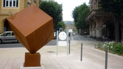 Les affreux cubes