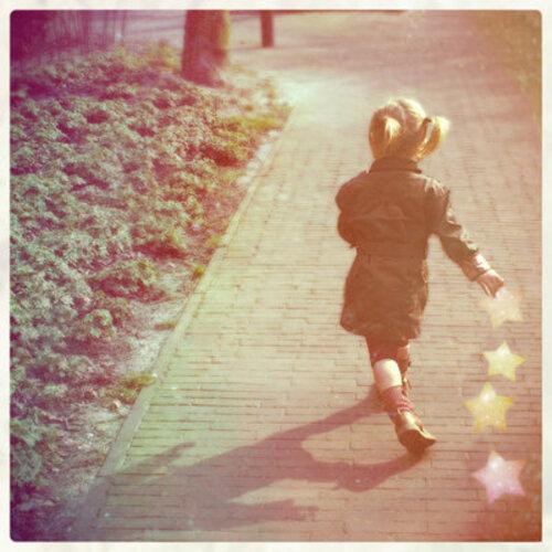 Blog de plumette :De son sang à mon encre, Article N° 89 Cette petite fille aux yeux bleus