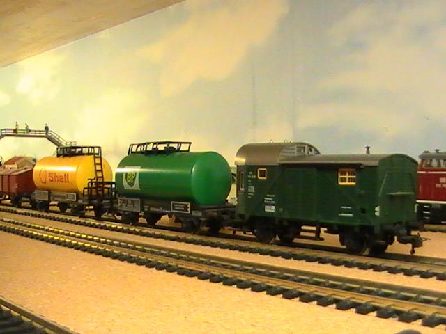 Réseau Moulinsard II - Session Fleischmann - Trains de marchandises - 2° partie.