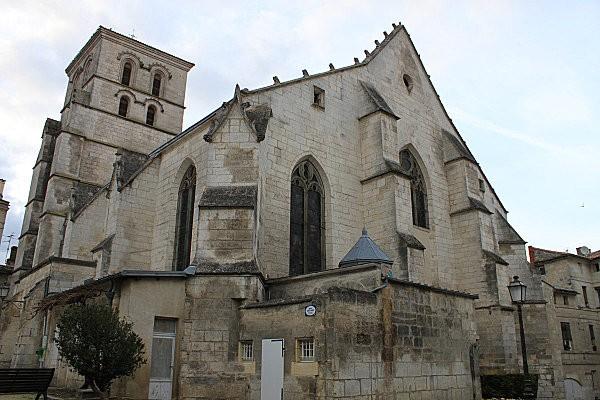 Angoulême 49 église St André