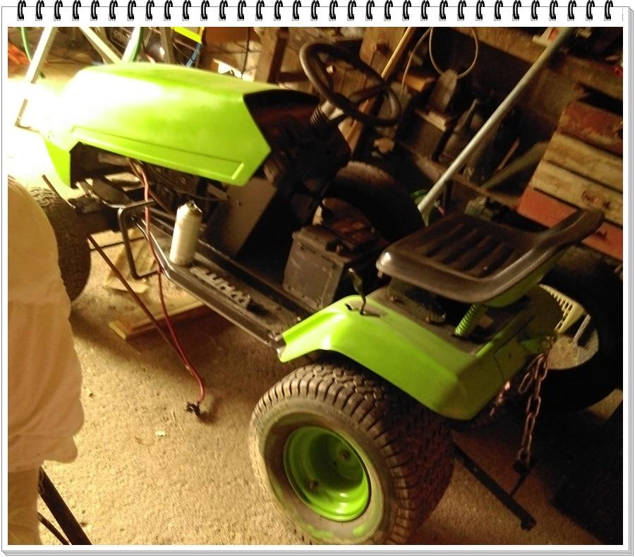 Notre beau tracteur tondeuse ♥