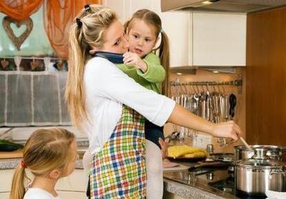 Ce message est dédié à toutes les femmes qui donnent leur vie pour le bien être de leur famille.