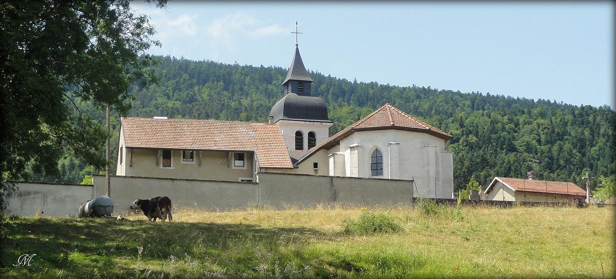 De derrière l'église