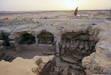 La vallée des momies en or ...