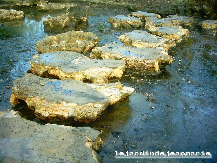 travaux au Parc Chavat de Podensac (Gironde) entrée refaite,nettoyage du bassin
