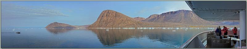 3/08/2019 : l'Austral est ancré au large de Grise Fiord (ᐊᐅᔪᐃᑦᑐᖅ ou Aujuittuq, le Village qui ne dégèle jamais) - Ellesmere Island - Nunavut - Canada