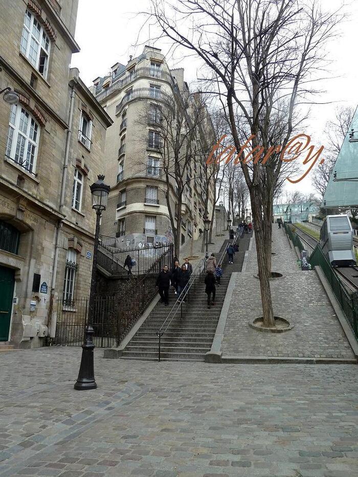 Balade dans Paris. Funiculaire de Montmartre.