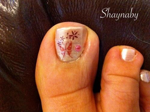 Nail art sur orteil