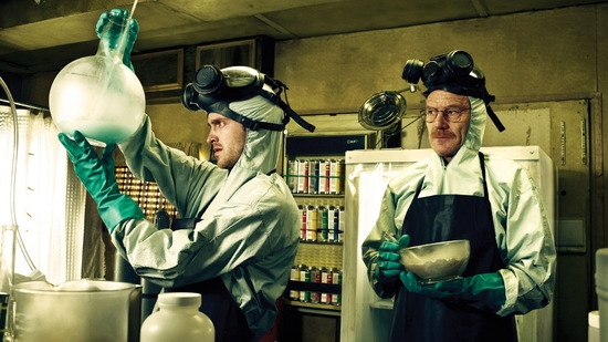 walter-white-and-jesse-pinkman-cook-meth-in-the-film-breaking-bad