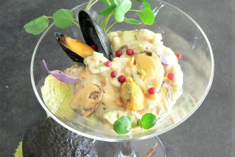 Cocktail de moules à l'avocat et champignons