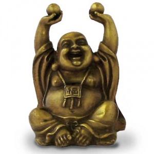 6. Bouddha rieur assis tenant les boules de la santé