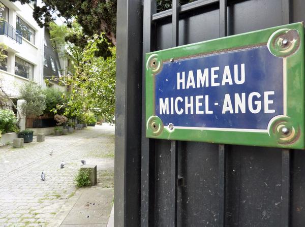 Sur les traces d'Hector Guimard à Auteuil avec Générations 13
