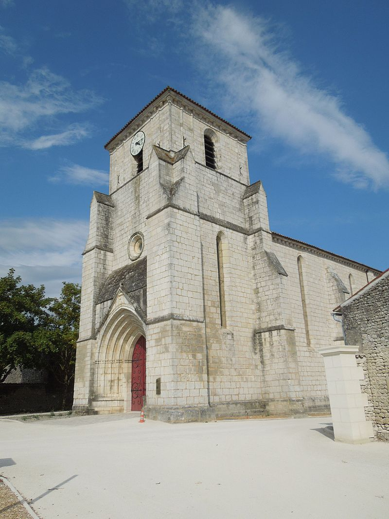 Salles-d'Angles, west front Saint-Maurice.jpg