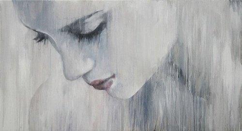 Femme-triste-regardant-en-bas-500x271