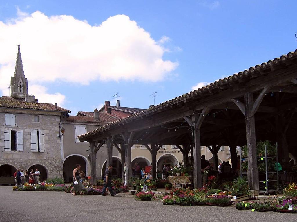 Saint Clar-hall fleurs