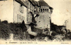 LES REMPARTS DE DOMFRONT (Orne)