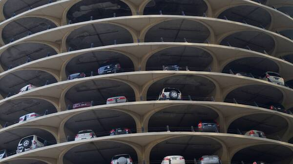 # 7 - parkings marina city.