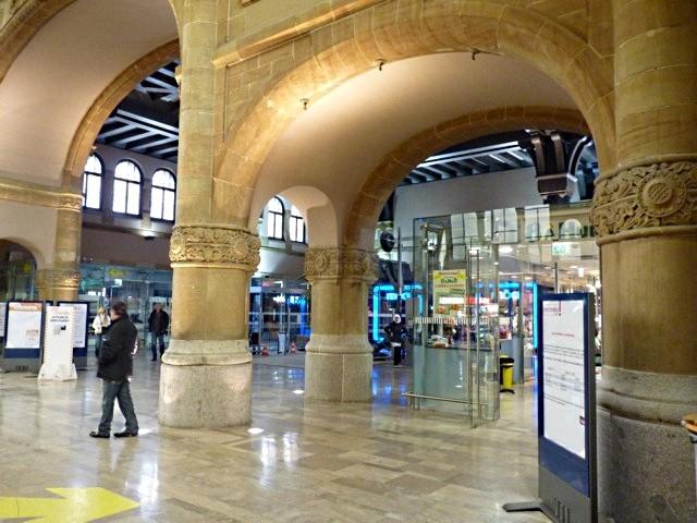 Gare de Metz Hall Départ - 29 05 10 - 6