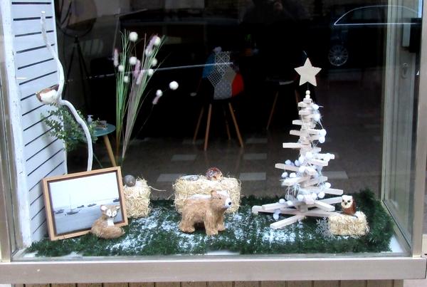 Encore de belles vitrines de fête à Châtillon sur Seine...