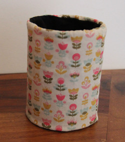 Habiller un pot à crayon avec du tissu