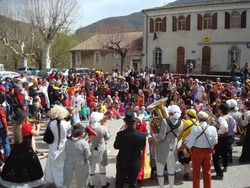 —- Carnaval de Saillans - départ REPUBLIK —-
