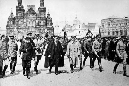 Comment les RUSSES résolurent le problème de la DETTE souveraine : l'exemple de 1917  [par Valentin Martin]