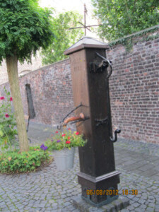 009-vieille fontaine
