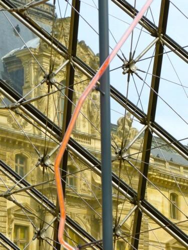 Lévêque chapiteau néon Louvre 4