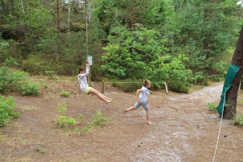 A Buthiers, parcours pieds nus