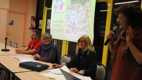 Aux côtés de Françoise Clausse (au micro), une partie des membres du bureau de l'association : David Tallandier, Micheline Champot et Anne-Marie Le Velly.