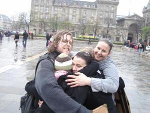 FREE HUGS PANAME (Calins gratuits)
