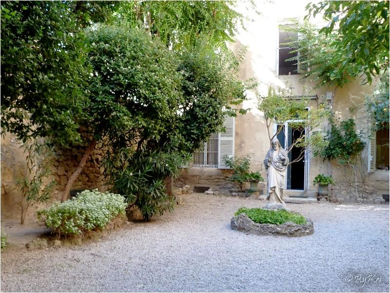 Pelissanne (13) ~ Jardin du presbytère ...