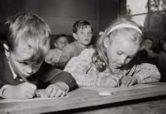 """Résultat de recherche d'images pour """"doisneau écoliers"""""""
