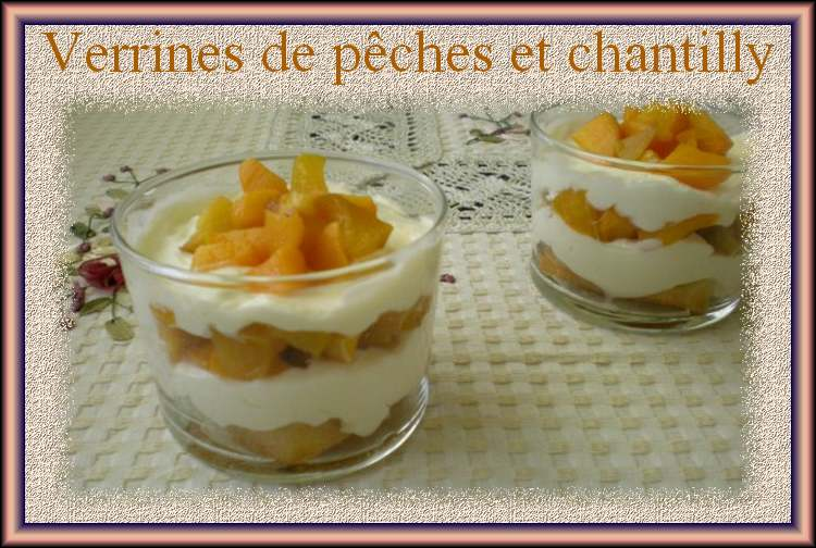 Verrines de pêches et chantilly
