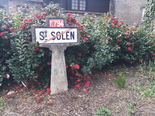 Peut être une image de plein air et texte qui dit 'N794 SI SOLEN'