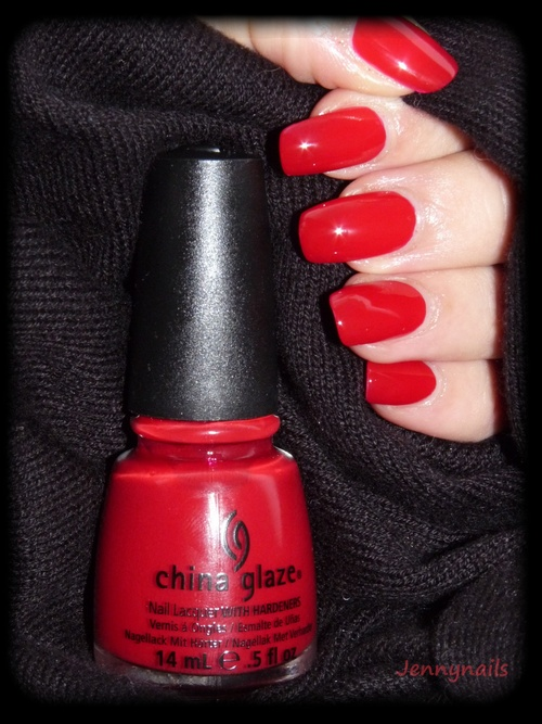- Swatch - CHINA GLAZE : Red Satin