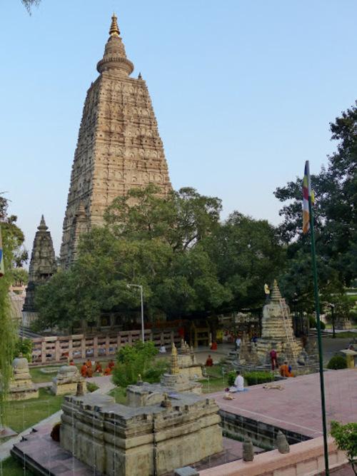 le temple de la Mahabodhi à Bodhgaya;