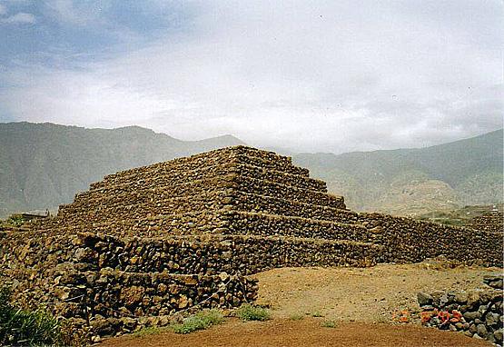 Les Guanches, des bâtisseurs de pyramides