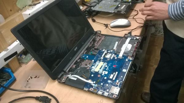Sửa chữa máy tính tại Fixlab
