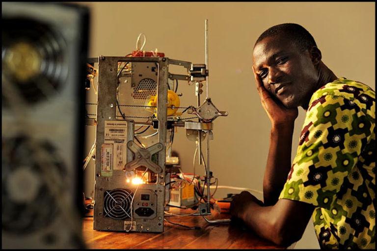 Afate 3D Printer, l'imprimante 3D qui recycle les déchets électroniques.