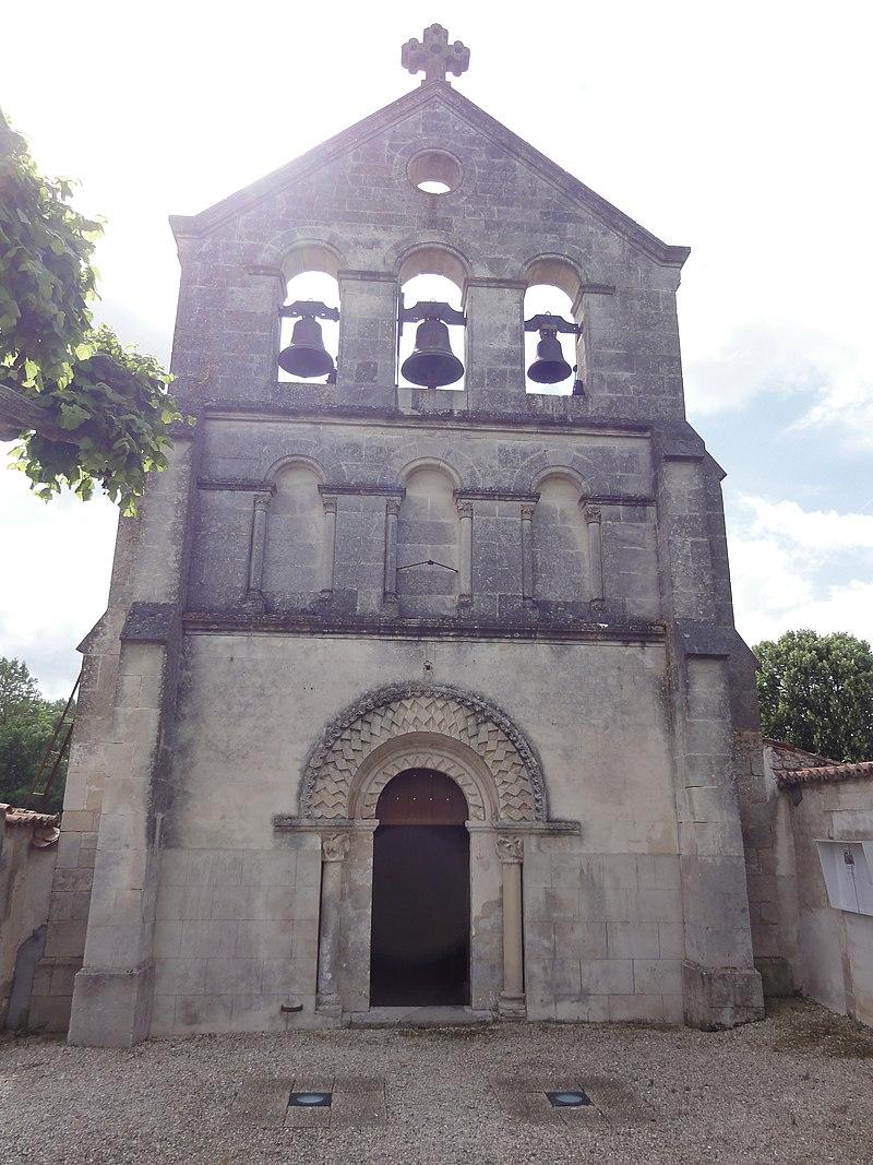 Église Saint-Nicolas de Courcelles, extérieur.JPG