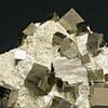 Pyrite sur gangue calcaire
