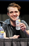 robert-pattinson-072111-3
