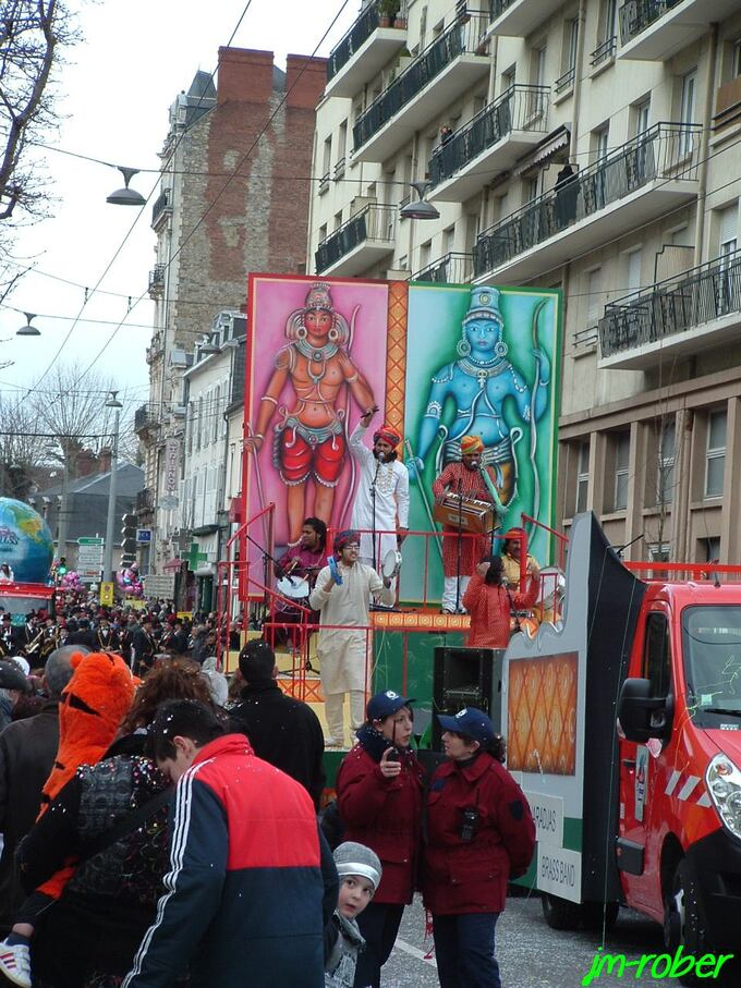"""Carnaval de Limoges 2014 (3): Suite """" Voyage-Voyage """" dans les rue de la capitale"""