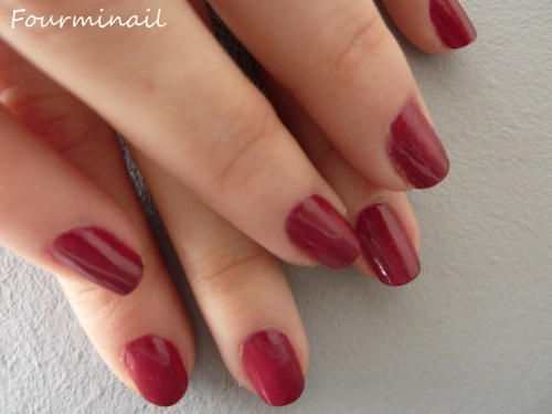 swatch rouge cerise Yves Roches + blanc étincellant