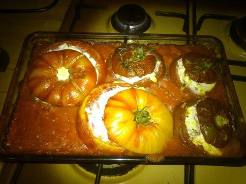 Tomates farcies au fromage de chèvre frais (de Mimi)